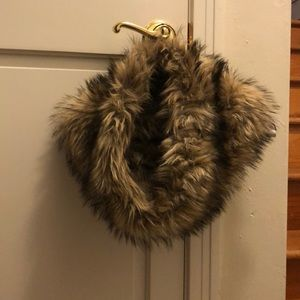 Loft Faux Fur Scarf